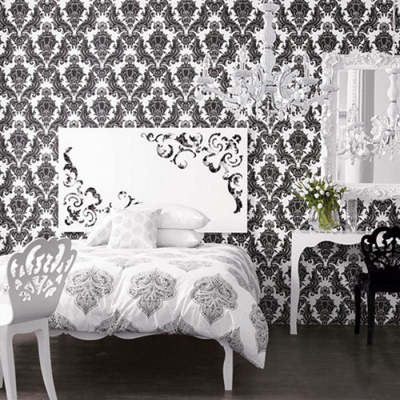 Classic-pattern-with-minimalist-black-and-white-looks-so-interesting